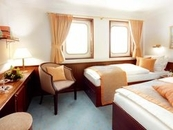 Twin Bed Cabins (2)