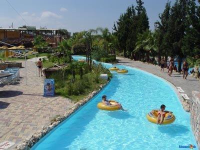 Limnoupolis Water Park