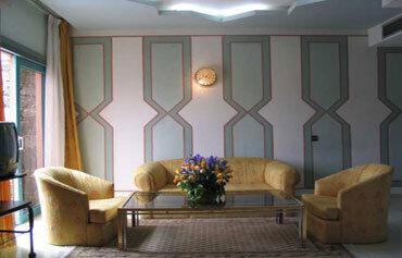 Amine Hotel