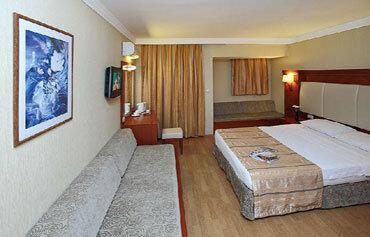 Julian Club Hotel
