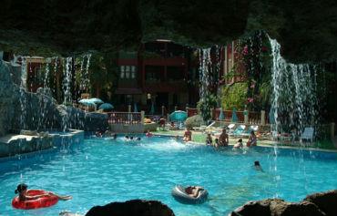 Grand Aquarium Apartments
