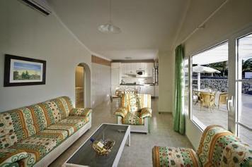 Hyde Park Lane Apartments