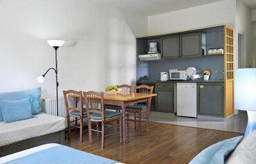 Louis King Jason Apartments