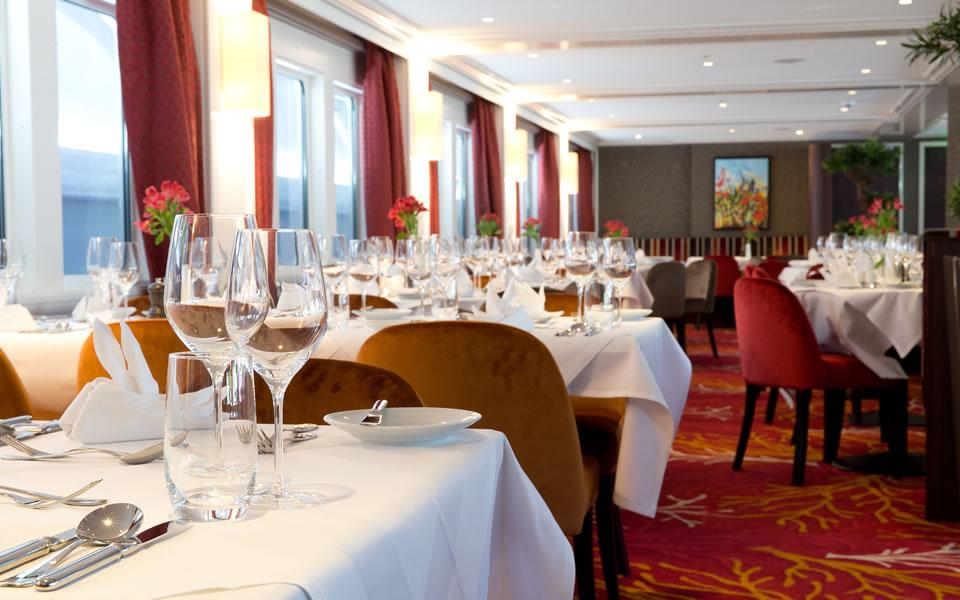 Riviera Travel Dining
