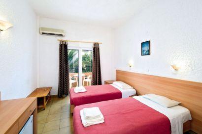 Frixos Hotel & Apartments