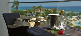 Adams Beach Deluxe Wing Special Offer