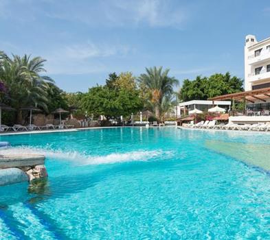 3* Paphos Gardens Apartments